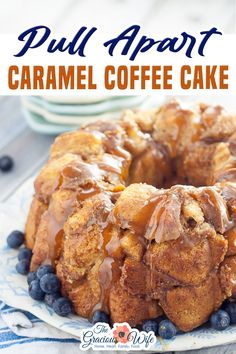 Pull Apart Caramel Coffee Cake takes just 10 minutes to prep for a sticky, gooey, caramel breakfast! Pull Apart Caramel Coffee Cake is super easy to make.  The longest part is the 30 minute bake time.  And seriously I just whip it up while the kids are busy bouncing off the walls excited! | The Gracious Wife @thegraciouswife #caramelcoffeecake #fallbreakfastrecipes #easypullapartbread #fallpullapartbreadrecipes #thanksgivingbreakfast #christmasbreakfast #holidaybreakfast #thegraciouswife Easy Gluten Free Desserts, Easy Desserts, Delicious Desserts, Gluten Free Bars, Best Dessert Recipes, Fall Recipes, Thanksgiving Recipes, Baking Recipes, Cookie Recipes