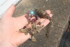 Vintage assemblage Gargoyle necklace Gargoyle by IRISHTREASURE Funky Jewelry, Unusual Jewelry, Vintage Jewelry, Gothic Earrings, Gothic Jewelry, Celtic, Found Object Jewelry, Medieval Jewelry, Halloween Jewelry
