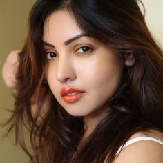 Komal Jha (Indian, Film Actress) was born on 15-03-1987.  Get more info like birth place, age, birth sign, biography, family, relation & latest news etc.