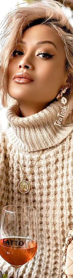 ❈Téa Tosh❈ MICAH GIANNELI… Sweater (and rosé) weather 🥂 #micahgianneli #teatosh Micah Gianneli, Cold Weather Outfits, Fall Sweaters, Big Fashion, Beige, Taupe, Sweater Fashion, Sweater Weather, Style Icons