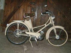 Cyclomoteur Mobylette AV31 / 1952 ,-moteur-monocylindre-2temps-graissage-par-melange-fourche télescopique avant, freins à tambour, Motobécane, Motoconfort, Pantin-Paris-France-Europe