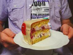 Aneta Goes Yummi: Kokosová torta s lesným ovocím potiahnutá marcipánom