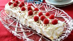 Rullekake med krem Norwegian Food, Pavlova, Different Recipes, Let Them Eat Cake, Waffles, Cheesecake, Cooking Recipes, Sweets, Baking