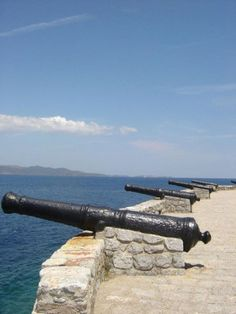 Cannons of the Saronic, at Hydra & Spetses. Mykonos, Santorini, Greece Art, Greece Islands, Crete, Art And Architecture, Athens, Wonders Of The World, Airplane View