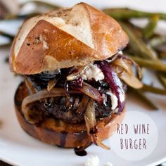 RED WINE BURGER: Angus beef burger in red wine source // caramelized onions //goat cheese