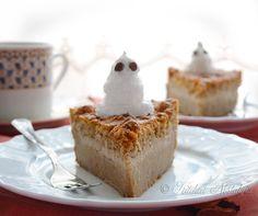 Pumpkin Magic Cake - autumn flavor of the amazing 1 layers-magic custard cake. Just Desserts, Delicious Desserts, Yummy Treats, Sweet Treats, Dessert Recipes, Dessert Ideas, Pie Recipes, Cupcakes, Cupcake Cakes