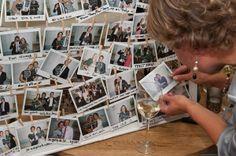 Al je gasten in een lijst met polaroids #gastenboek #bruiloft