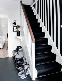 black and white staircase | MINIMALISTIC SCANDINAVIAN CHRISTMAS DECORATION | 79 Ideas
