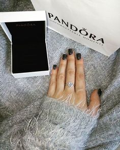 Finally mine! 😍 Unforgettable moments with @theofficialpandora I love it, especially with these nails #pandora #pandoraring #heartring #ring #fashion #beautiful #nails #nailswag #beautyaddict