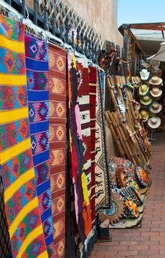 Outdoor Market, Santa Fe, New Mexico, USA.