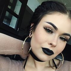 Usually don't like dark makeup like this, but something about this pic I actually like so I had to pin it