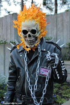 Cosplay Costume Ghost rider costume Can we make this for dad, momma? Halloween 2019, Halloween Cosplay, Holidays Halloween, Halloween Makeup, Halloween Party, Halloween Costumes, Halloween Photos, Crazy Costumes, Creative Costumes