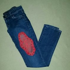 Vintage Hudson jeans One of a kind Hudson skinny jeans with hand crocheted coral color design on left thigh. Back right pocket has UK flag that says HUDSON (small but you can see in 2nd photo) small UK flag button on right corner of small pocket. Pictures don't do these justice!! Absolutely spectacular unique jeans. Size 24 Like new condition!! Make an offer!!! Hudson Jeans Jeans Skinny