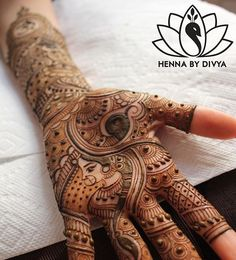 WEBSTA @ hennabydivya - One of my favourites from Done for the lovely, Maitry for her big day. Check out the previous post about my 2016 bridal henna giveaway. All the details you need to know are on there! Mehndi Desgin, Mehndi Art Designs, Mehndi Images, Bridal Henna Designs, Bridal Mehndi, Henna Mehndi, Lotus Henna, Flower Henna, Henna Artist