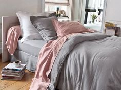 pink & pearl gray (via maison-deco). I like the color combo and the mismatched flat and fitted sheets