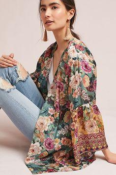 -- Kachel Rachelle Silk Kimono -- only always Women's Kimono Cardigan, Kimono Outfit, Silk Kimono, Floral Kimono, Bohemian Mode, Bohemian Style, Boho Chic, Boho Fashion, Spring Fashion