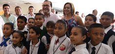 El gobernador del estado de Veracruz, Javier Duarte de Ochoa, asistió a la entrega de apoyos del Programa Seguro de Vida para Jefas de Familia, Pagos y Pre-registros en Poza Rica.