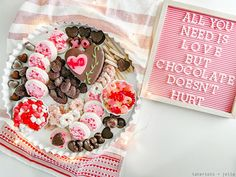Delight your loved ones with a sweet take on the traditional charcuterie board by creating a sweetheart dessert board in just 10 minutes. Peppermint Patties, Peppermint Candy, Chocolate Hearts, Chocolate Lovers, Puffy Slime Recipe, Chocolate Covered Raisins, My Dessert, Sweetest Day, Homemade Cookies