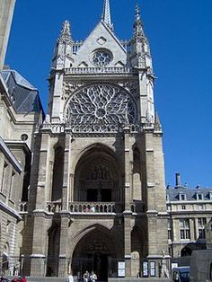 Sainte Chapelle – Wikipedie Saint Chapelle, Architecture Old, Big Ben, Notre Dame, Barcelona Cathedral, Gothic, Building, Travel, Goth