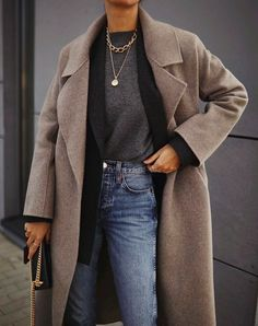 Simple jeans outfit to copy now Source by outfittingideas outfits casual Winter Fashion Outfits, Fall Winter Outfits, Look Fashion, Autumn Fashion, Womens Fashion, Classic Fashion Outfits, Winter Layering Outfits, Summer Outfits, Fashion Dresses