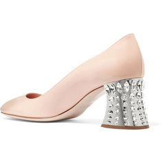 Miu Miu Crystal-embellished patent-leather pumps (3,305 SAR) ❤ liked on Polyvore featuring shoes, pumps, mid-heel pumps, miu miu shoes, beige patent leather pumps, beige shoes and mid heel pumps