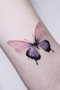 Butterfly Tattoo Ideas for Men and Women Leg Kemen - A Collection . - Butterfly Tattoo Ideas for Men and Women Leg Kemen – A collection of butterfly tattoo ideas f - Monarch Butterfly Tattoo, Butterfly With Flowers Tattoo, Flower Wrist Tattoos, Ribbon Tattoos, Butterfly Kisses, Mini Tattoos, Small Tattoos, Simple Butterfly, Dragon Tattoo Back Piece