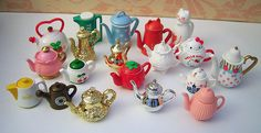 A selection of Re-ment and Megahouse tea pots