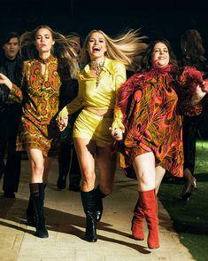 retro dancin', a playlist by Lara Brizuela on Spotify 60s And 70s Fashion, 70s Inspired Fashion, Retro Fashion, Vintage Fashion, 1960s Fashion Hippie, Sharon Tate, 70s Outfits, Cute Outfits, Fashion Outfits