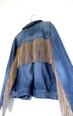Denim Jean Jacket / Boyfriend Oversized Unisex distressed jean jacket / chain fringe hand-placed Jacket / Extra Large - New Outfits Diy Jeans, Jeans Denim, Ripped Denim, Jean 1, Look Jean, Jean Jacket Outfits, Jacket Jeans, Diy Clothes, Clothes For Women