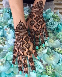Best 11 Mehndi henna designs are always searchable by Pakistani women and girls. Women, girls and also kids apply henna on their hands, feet and also on neck to look more gorgeous and traditional. Indian Henna Designs, Finger Henna Designs, Latest Bridal Mehndi Designs, Back Hand Mehndi Designs, Henna Art Designs, Mehndi Designs For Beginners, Mehndi Designs For Girls, Mehndi Design Photos, Unique Mehndi Designs