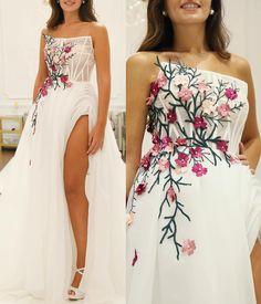 Flower gown by . Strapless Dress Formal, Formal Dresses, Wedding Dresses, Floral Gown, Modern Boho, Catwalk, Boho Chic, Instagram, Flowers