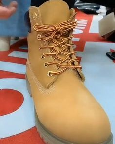 Amazing Diy – Famous Last Words Ways To Lace Shoes, How To Tie Shoes, Diy Clothes And Shoes, Diy Clothes Videos, Diy Fashion Hacks, Fashion Tips, Diy Crafts Hacks, Clothing Hacks, Useful Life Hacks