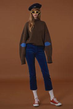 long sleeves, circle patch, velvet pants
