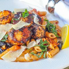 This Cajun Scallops Puttanesca is a spicy, flavourful fusion of Italian and Louisiana cuisines. Just try to pack more flavour into a 30 minute meal! Rock Recipes, New Recipes, Seafood Pasta, Seafood Recipes, Fish Dishes, Pasta Dishes, Scallop Linguine, Fresh Scallops, Tomato Relish