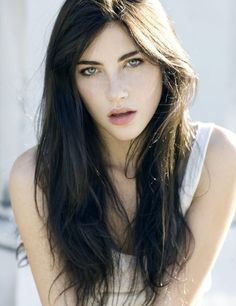 Anna Christine speck heart as Victoria lightwood, Alec Lightwood's daughter