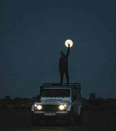 Defender Camper, Land Rover Defender 110, Defender 90, Landrover Defender, Into The Wild, Space Phone Wallpaper, Whatsapp Wallpaper, Modified Cars, Jeep Life