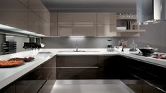 Kücheneinrichtung mit glänzender Oberfläche - Pro oder Contra?