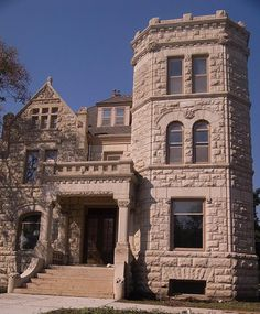 Masonry Home. American made home, constructed of brick or stone, invites a feeling of Old World nostalgia. Stone Masonry, Brick And Stone, Stone Work, Dream Home Design, House Design, Colorful Apartment, Epoch Time, Chicago Neighborhoods, Stone Houses