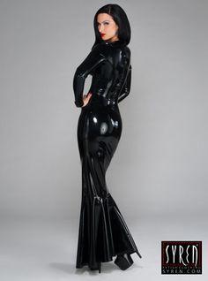 Dieser Stock Länge Latex Kleid ist eine natürliche Wucht. Schälköpfe ist Ihr Ding, das das Kleid zu wählen. Vamp, flirten und lassen Sie sich
