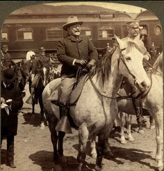 Teddy Roosevelt - Preparing to go into Yellowstone National Park 1903 American Presidents, American War, Us Presidents, American History, British History, American Indians, Native American, Theodore Roosevelt, Roosevelt Family