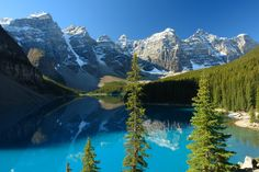 Banff National Park, Canada's first national park, remains one its most popular. Learn what makes Banff National Park so special. Lac Moraine, Moraine Lake, Banff National Park Canada, National Parks, Cool Places To Visit, Places To Go, Beau Rivage, Paraiso Natural, Parks Canada