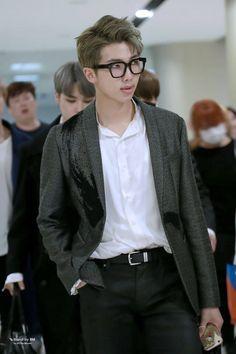 """ So, we meet again, Kim Taehyung "" "" I was… # Fan-Fiction # amreading # books # wattpad Jimin Jungkook, Kim Namjoon, Bts Bangtan Boy, Seokjin, Bts Taehyung, Jung Hoseok, Bts Rap Monster, K Pop, Bts Airport"