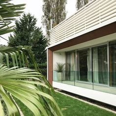 Villa privata. Un lavoro di qualche anno fa. #atchitecture #atchitettura #privatevillas #villa #luxury #luxuryhouse #project #design Garage Doors, Studio, Outdoor Decor, Design, Home Decor, Decoration Home, Room Decor, Studios