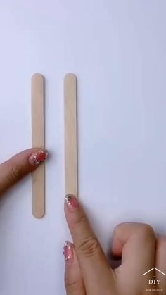 Diy Crafts For Home Decor, Diy Crafts Hacks, Diy Crafts For Gifts, Diy Arts And Crafts, Craft Stick Crafts, Fun Crafts, Craft Stick Projects, Ag Doll Crafts, Popsicle Crafts
