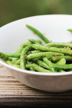 Browned Butter and Garlic Green Beans from Pidge's Pantry #meatlessmondayrecipe #sidedish #summer