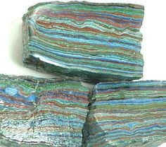 Rainbow Cal Silica    Cleanses the aura  Balances the mind  Color influences our emotions and actions  Draws energy from each color in the stone