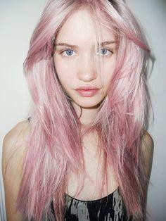 Pink Soft Pastel Hair - http://ninjacosmico.com/32-pastel-hairstyles-ideas/
