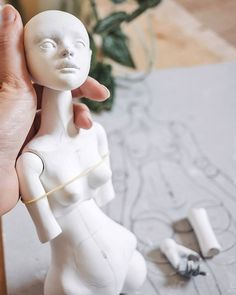 A few more photos of the new doll in progress. Currently, I'm working on joints and it's always the hardest part for me. I want her to have perfect movements, haha. 🤞 We'll see how it goes.