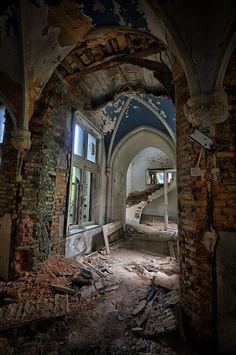 abandoned....   ................................♥...Nims...♥
