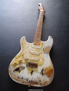STANDARD FENDER STRATOCASTER LEFT HANDED VINTAGE WHITE AGED HEAVY RELIC (RARE) #Fender